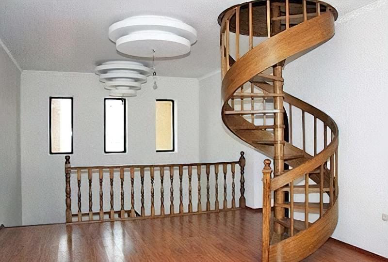 Гвинтові сходи на другий поверх 10