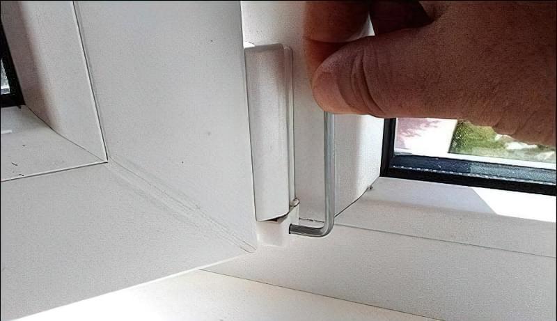 Регулювання пластикових вікон своїми руками 7
