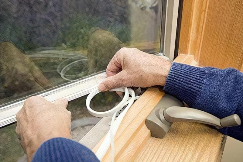 Як утеплити дерев'яні вікна в домашніх умовах 7
