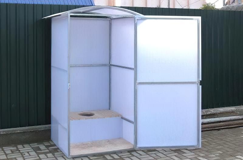 Робимо вуличний туалет на дачі: варіанти і приклад поетапного будівництва 12
