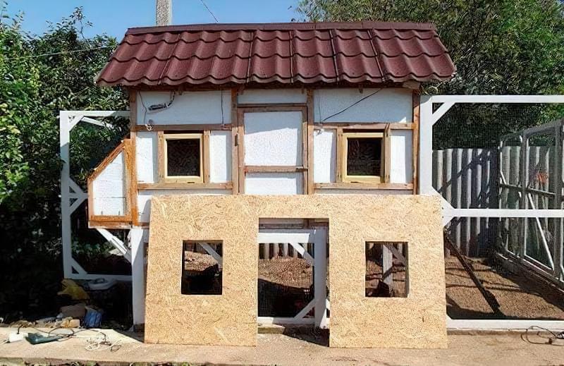 Спорудження зимового курника: планування, утеплення, обігрів 1