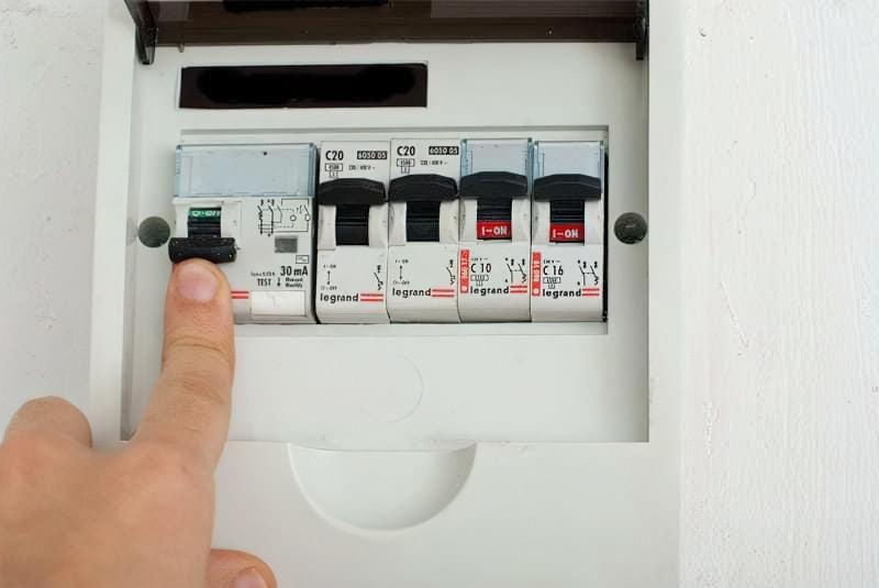 Як правильно підключити вимикач світла 2