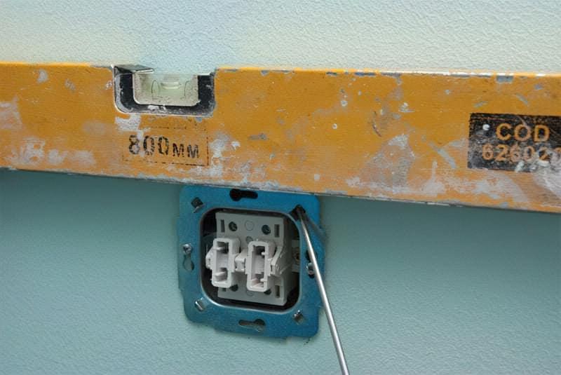 Як правильно підключити вимикач світла 10