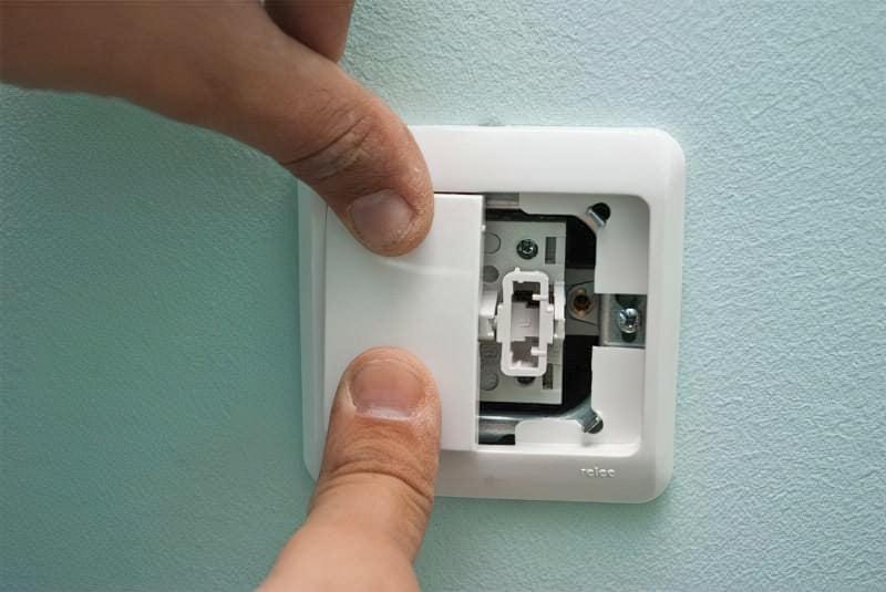 Як правильно підключити вимикач світла 12