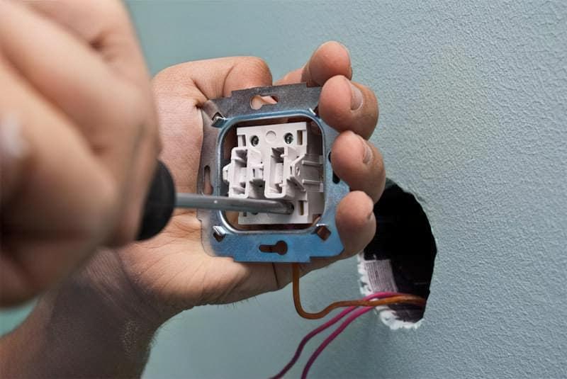 Як правильно підключити вимикач світла 7