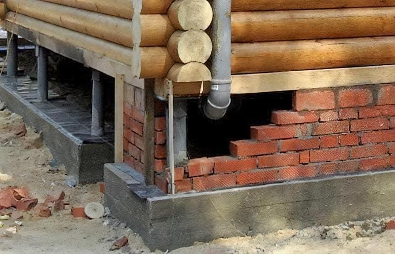 Цоколь будинку на гвинтових палях: встановлення і способи обробки 2
