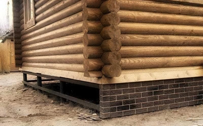 Цоколь будинку на гвинтових палях: встановлення і способи обробки 1