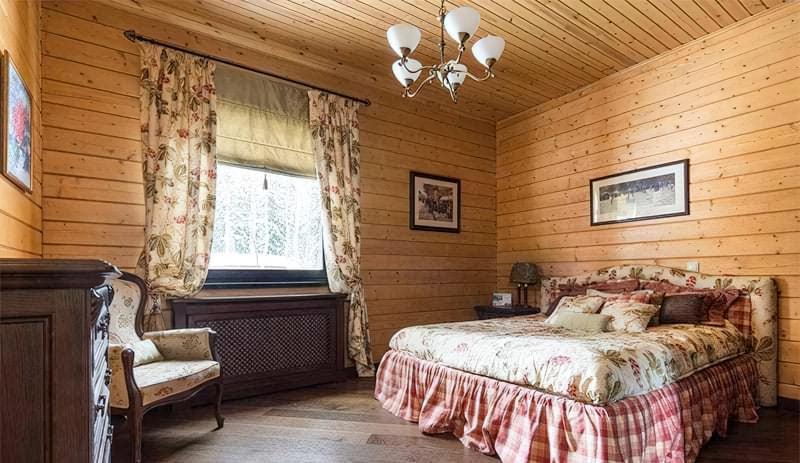 Чим обробити стелю в дерев'яному будинку – огляд матеріалів 3