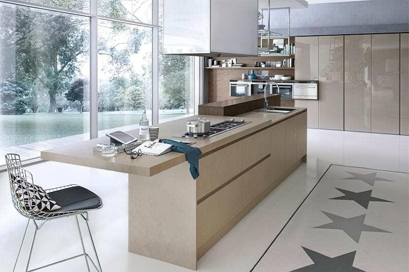 Острівний стіл на кухні