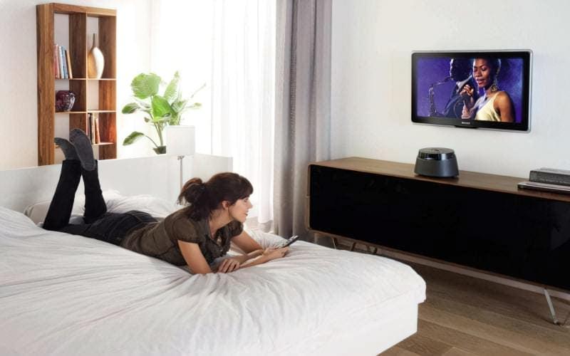 Поради по установці телевізора в спальні 1