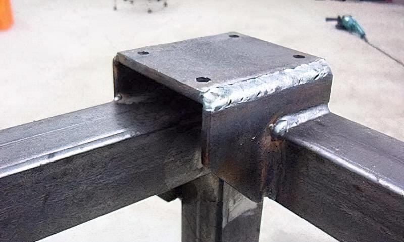 Виготовлення зварювального столу своїми руками 11
