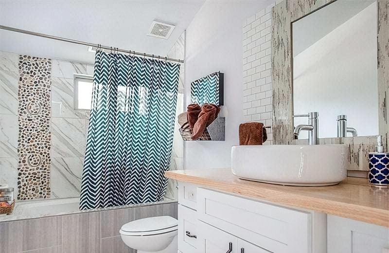Шторки для ванної