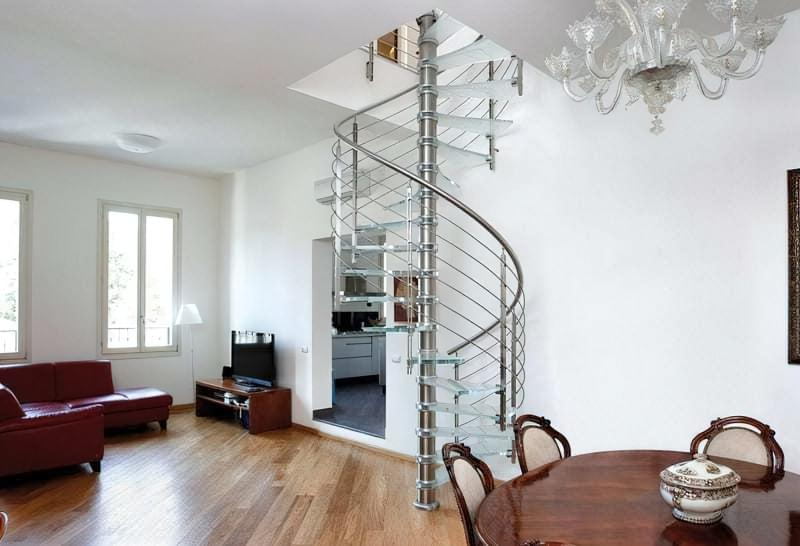 Гвинтові скляні сходи фото