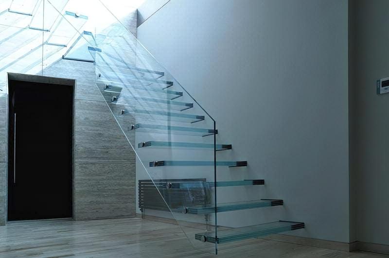 Скляні перила для сходів фото
