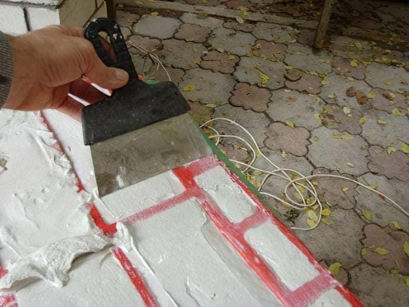 Укладання гіпсового декоративного каменю своїми руками 21