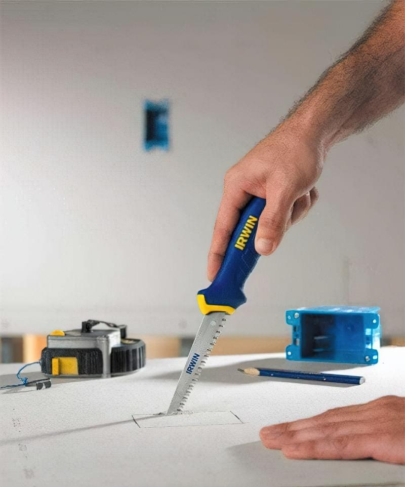 Які інструменти застосовуються для роботи з гіпсокартоном і профілями 12