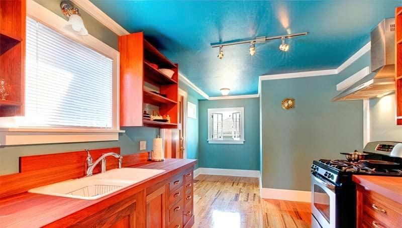 Фарба для стелі на кухні