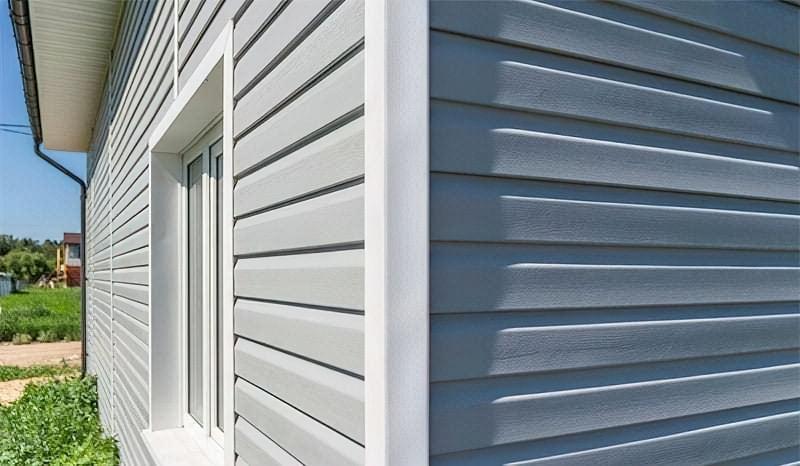 Фасад з вінілового сайдинга