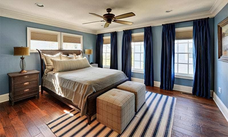 Синій колір в інтер'єрі спальні – відтінки захоплюючі дух