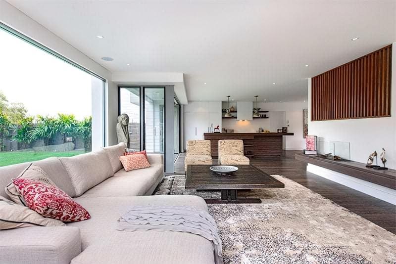 Вітальня в стилі мінімалізм – правила оформлення та ідеї для приголомшливого зовнішнього вигляду 20