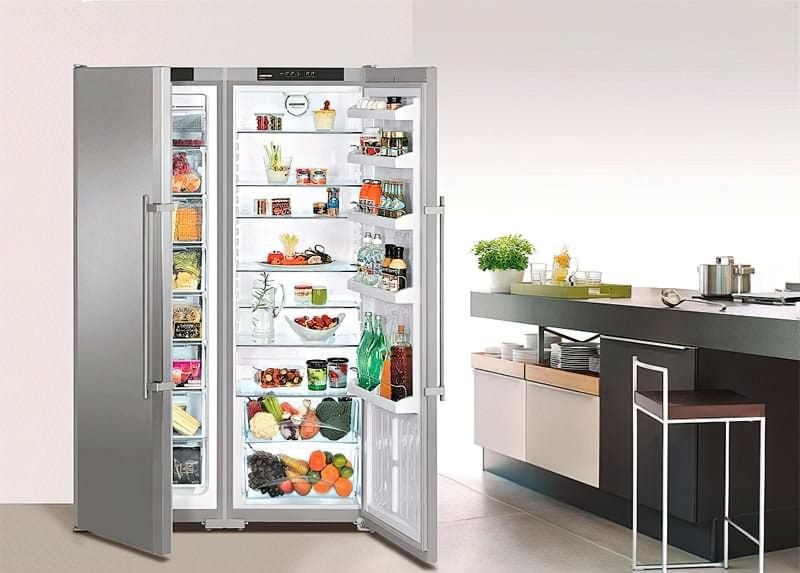 Холодильник з подвійними дверима