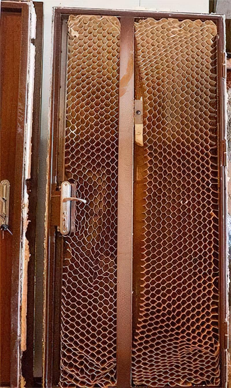 Як вибрати хороші вхідні металеві двері: конструкції, матеріали, захисні властивості 12