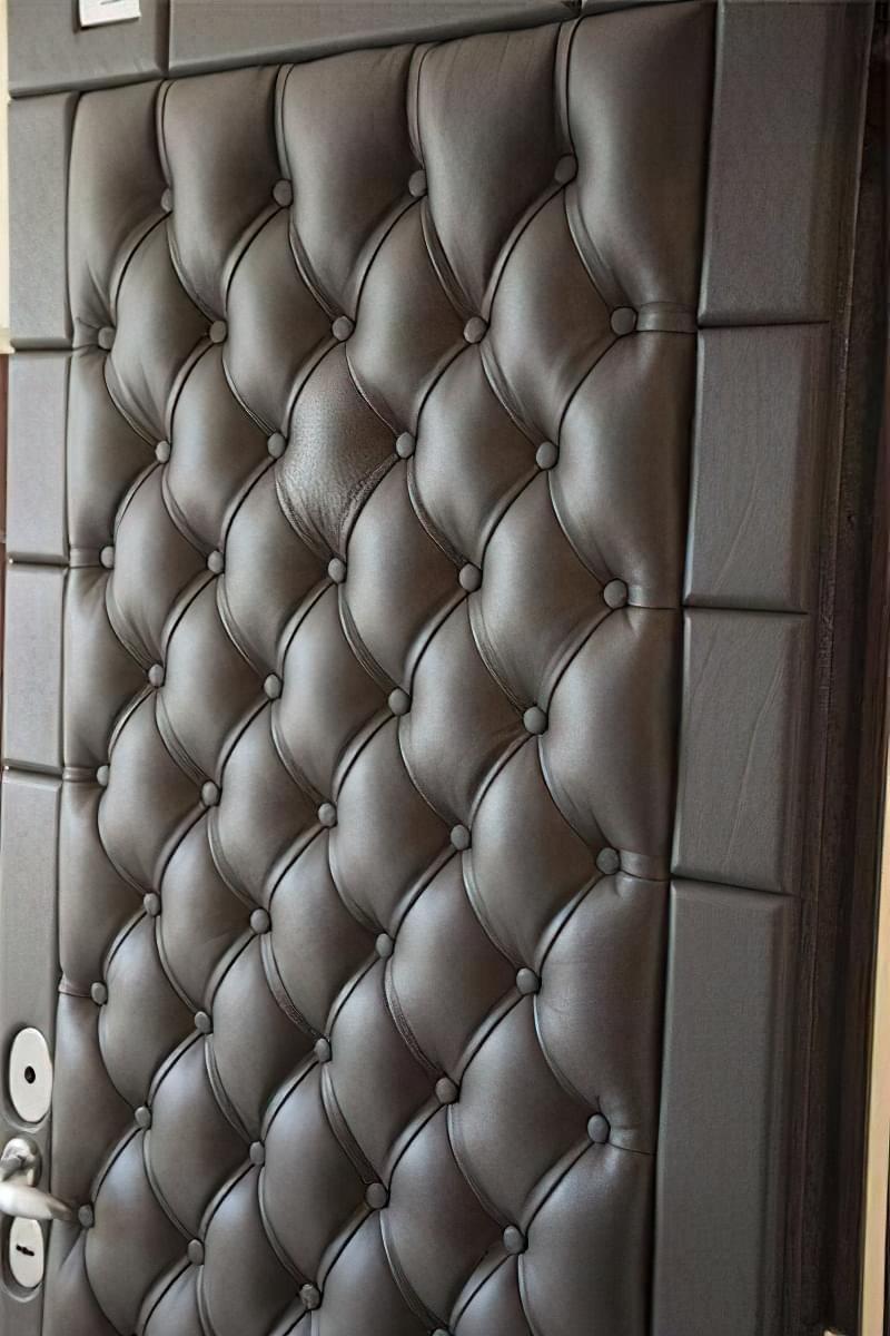 Як вибрати хороші вхідні металеві двері: конструкції, матеріали, захисні властивості 14