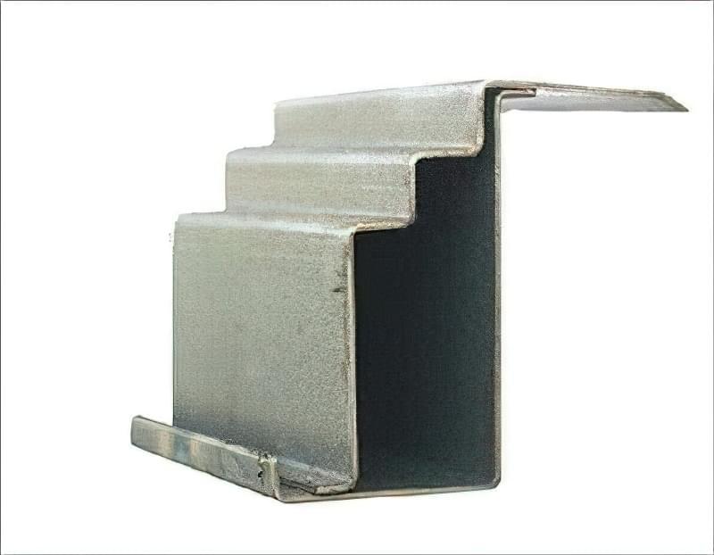 Як вибрати хороші вхідні металеві двері: конструкції, матеріали, захисні властивості 8