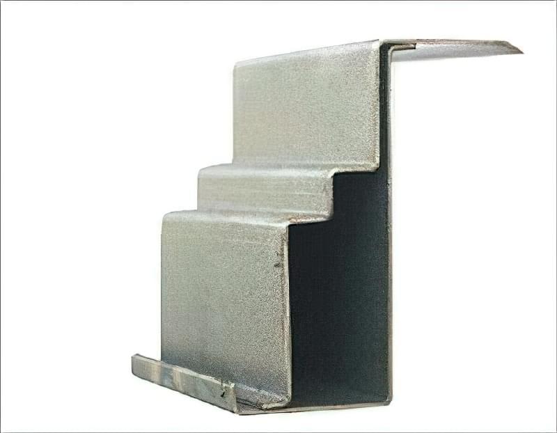 Як вибрати хороші вхідні металеві двері: конструкції, матеріали, захисні властивості 9