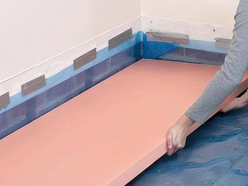 Як зробити підлогу під ванною своїми руками 13