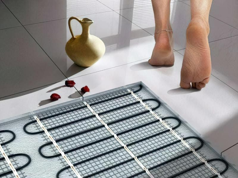Як зробити підлогу під ванною своїми руками 15