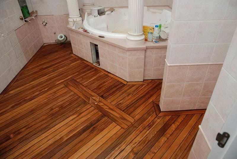 Як зробити підлогу під ванною своїми руками 7
