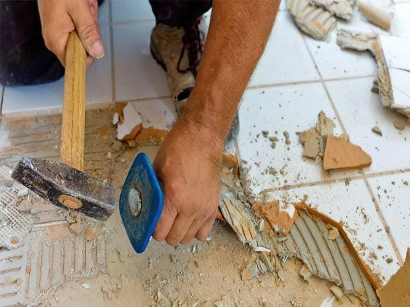 Як зробити підлогу під ванною своїми руками 9
