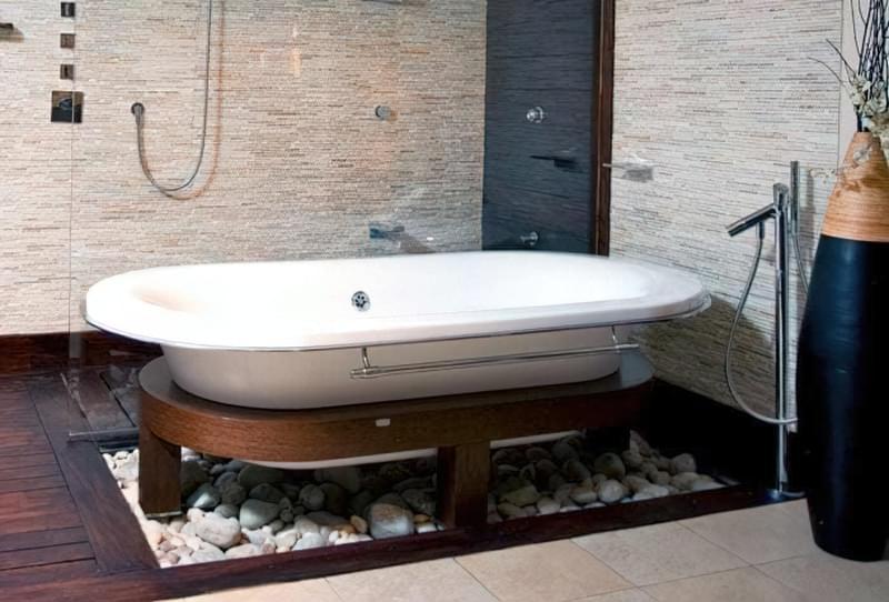 Як зробити підлогу під ванною своїми руками