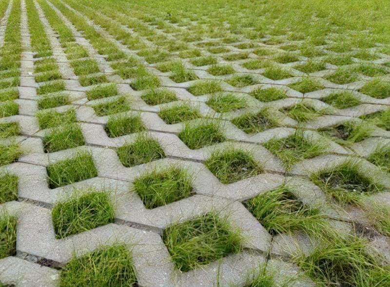 Укладання газонної решітки на ділянці 2