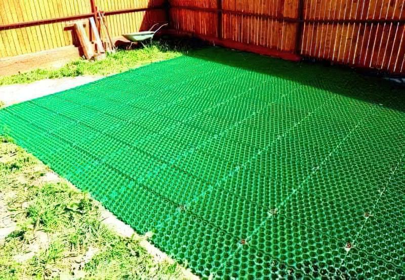 Укладання газонної решітки на ділянці 1