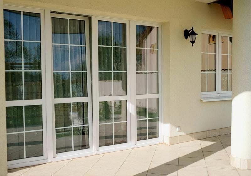 Пластикові вікна з шпросами фото