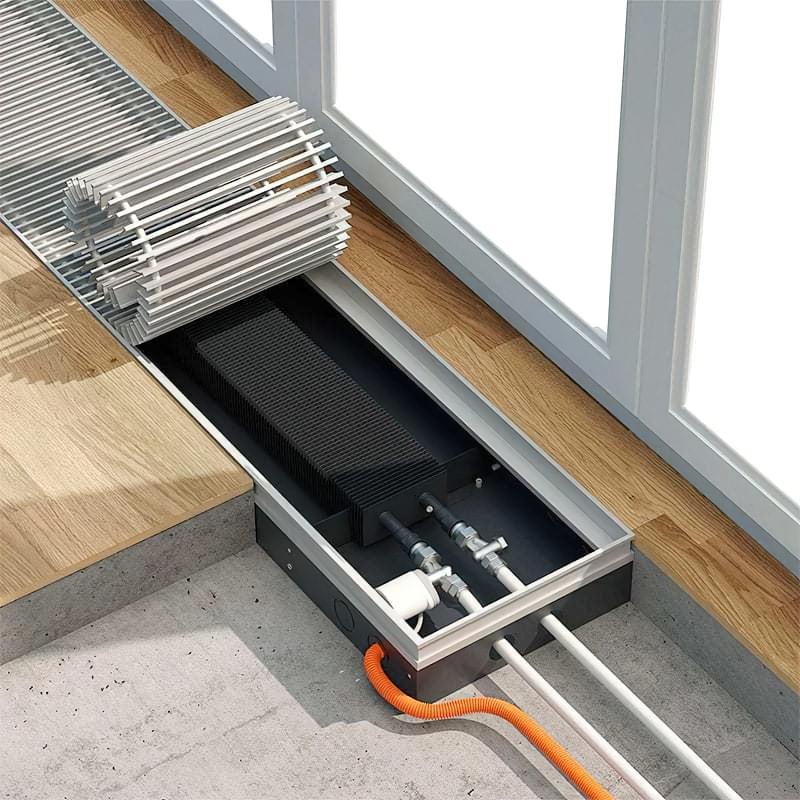 Водяний конвектор вбудований в підлогу