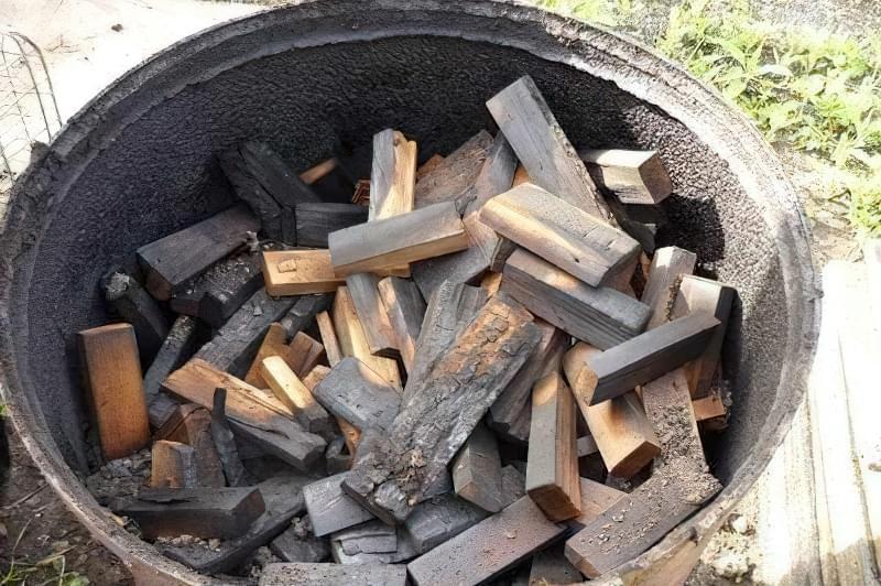 Деревне вугілля своїми руками
