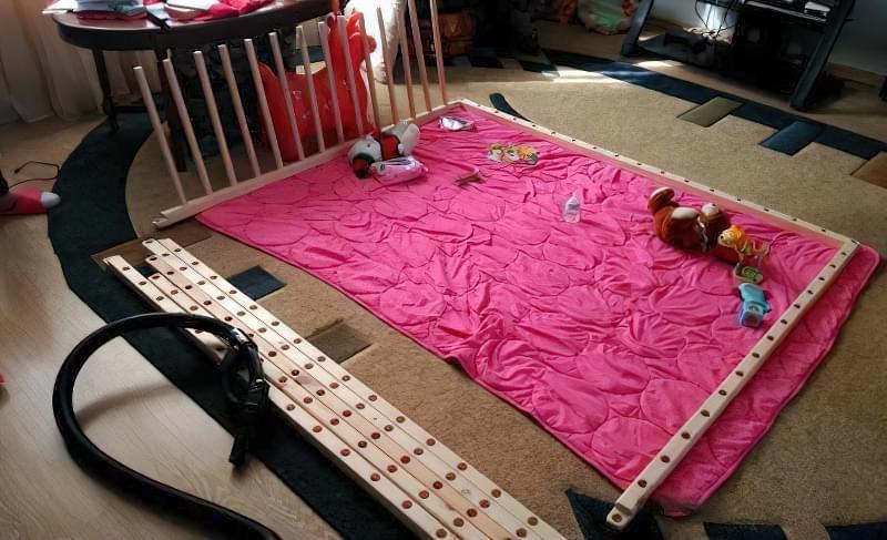 Як зробити дитячий манеж - фото