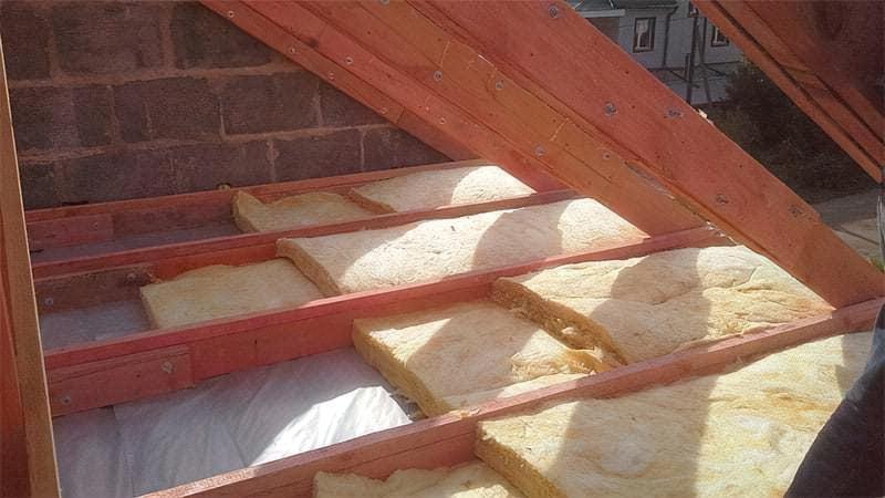 Яка мінеральна вата краща для утеплення — кам'яна або скловата, порівняння матеріалів 3