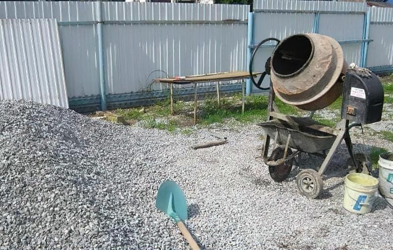 Бетонування двору приватного будинку і доріжок в саду: методи та матеріали 16