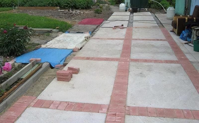 Бетонування двору приватного будинку і доріжок в саду: методи та матеріали 20