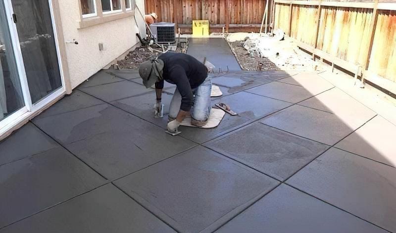 Бетонування двору приватного будинку і доріжок в саду: методи та матеріали 4
