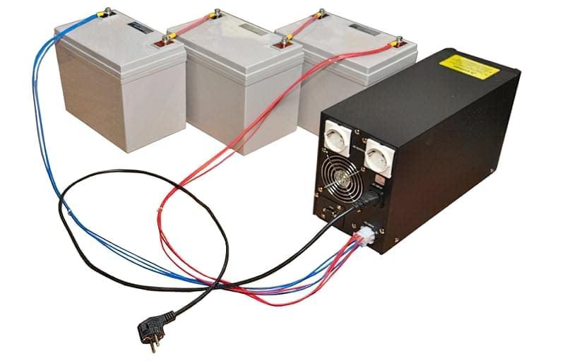ДБЖ підключаються до зовнішнього акумулятора