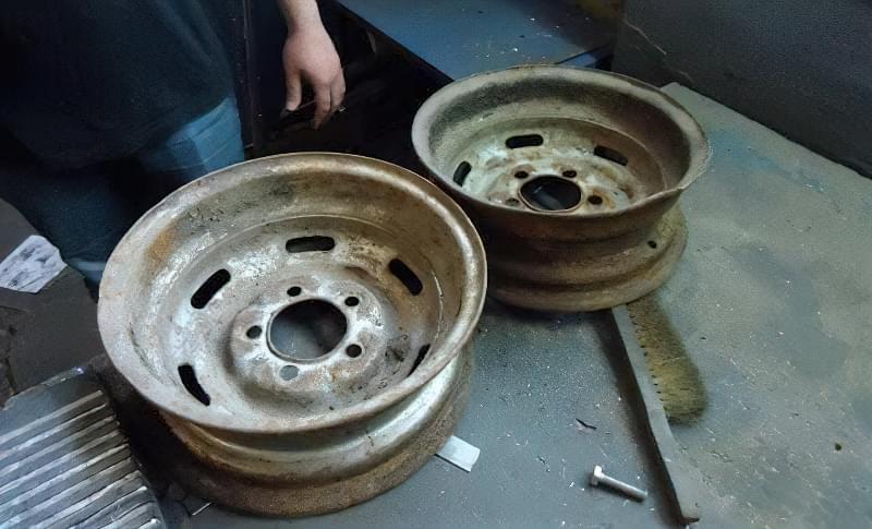Печі і мангали з колісних дисків: класні ідеї для виготовлення своїми руками 1