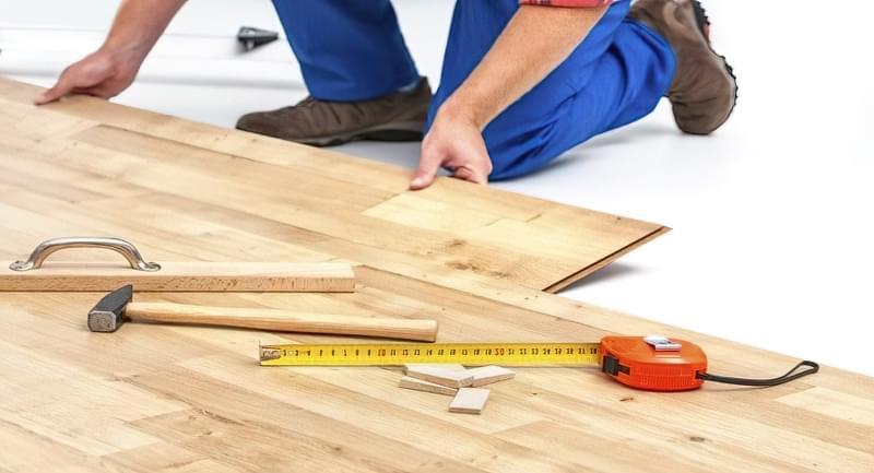 Як зробити підлогу на балконі своїми руками — покрокове керівництво для початківців майстрів 17