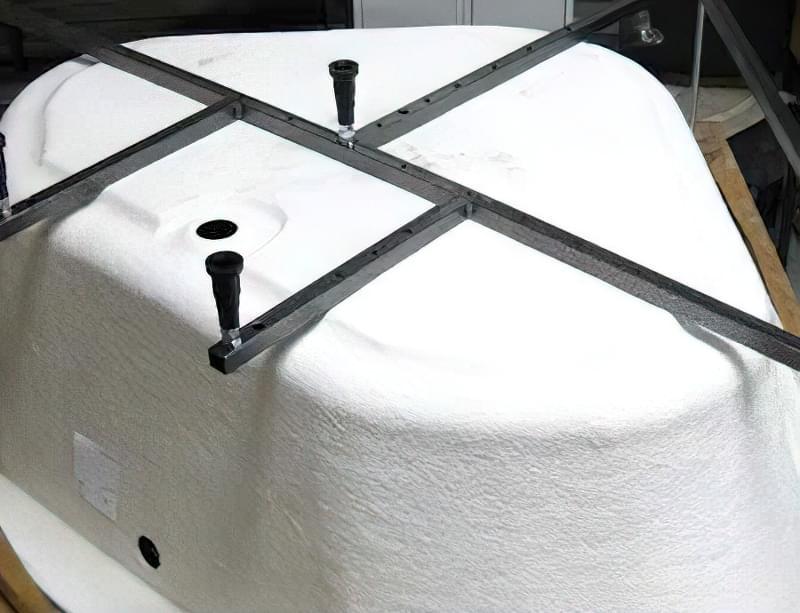 З чого роблять акрилові ванни