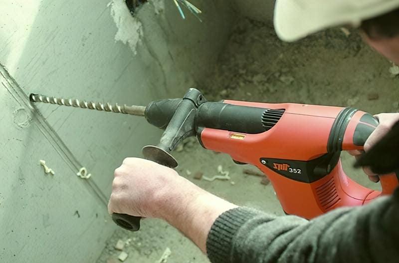 Чи може дриль з ударним механізмом замінити перфоратор? 5