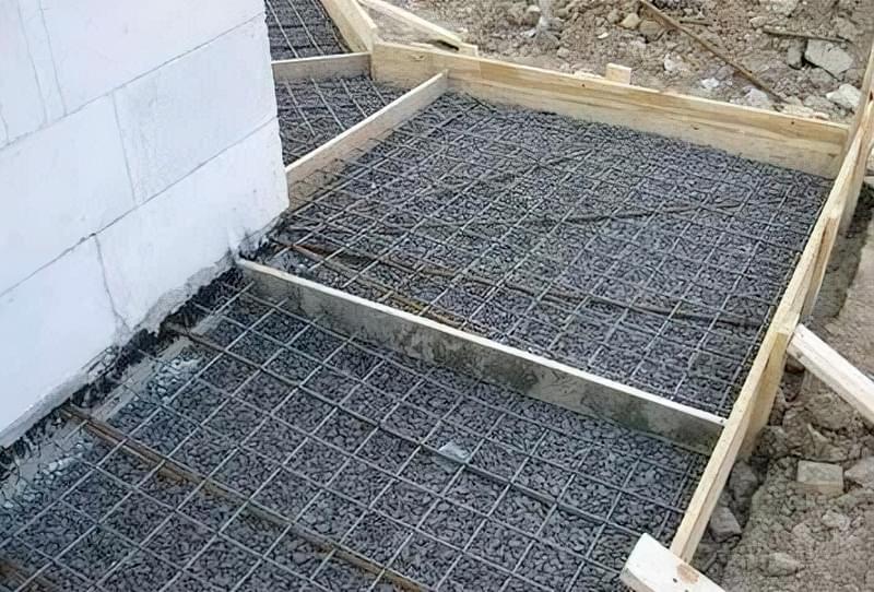 Як зробити бетонну відмостку 3
